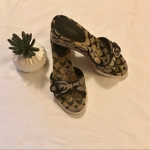 Coach Perry signature print sandal wedge size 10